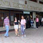 Reportajes que opinan los santiagueros sobres las elecciones de los alcaldes y regidores en Febrero.  Hoy Wilson Aracena