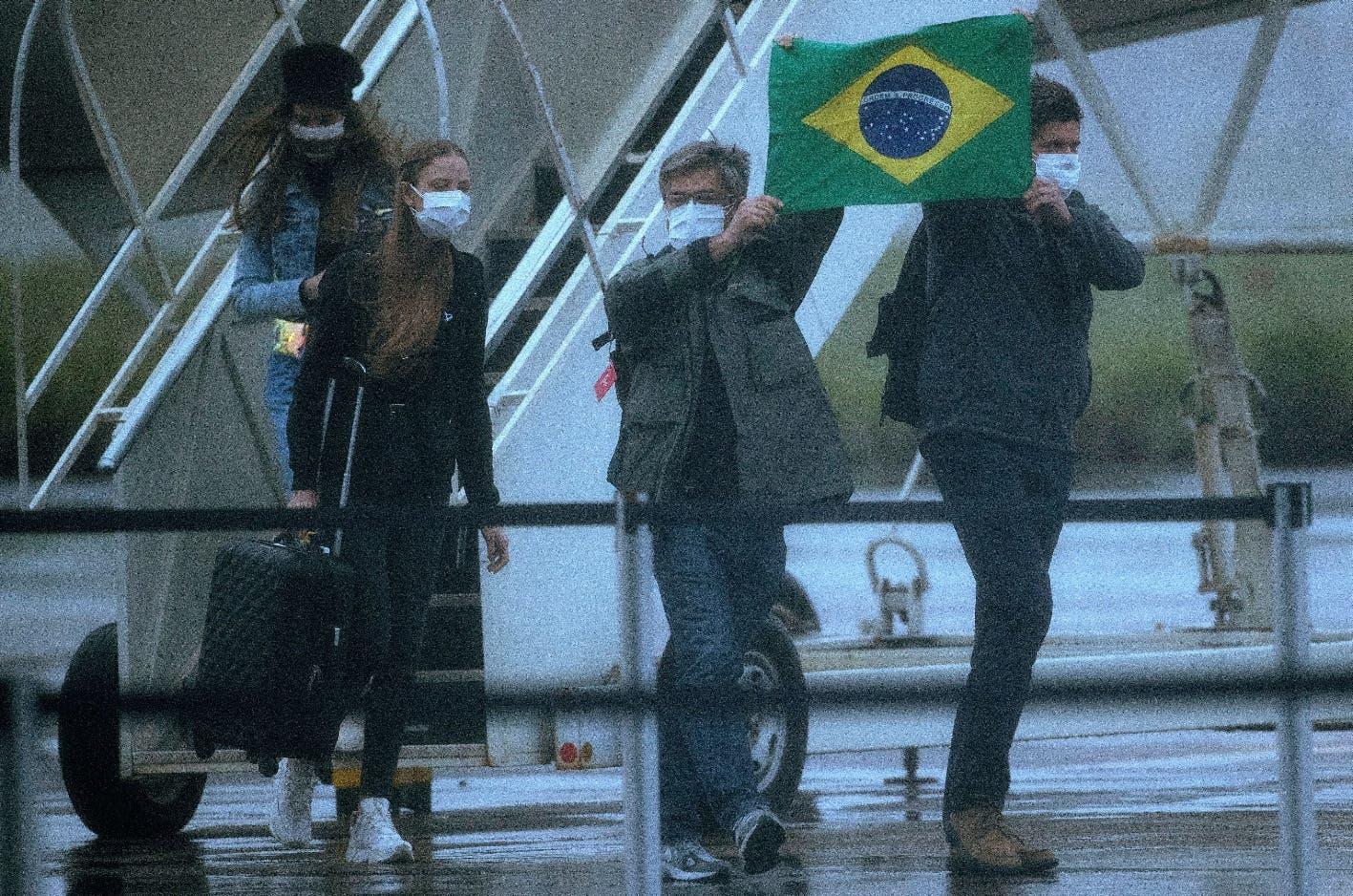 Suben a ocho los casos de coronavirus en Brasil