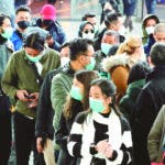 Daegu (Korea, Republic Of), 21/02/2020.- Mask-wearing tourists wait for a train at Seoul Station in Seoul, South Korea, 21 February 2020. (Corea del Sur, Seúl) EFE/EPA/YONHAP SOUTH KOREA OUT