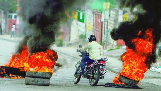 Haitianos vuelven a calles tras el tiroteo de los uniformados
