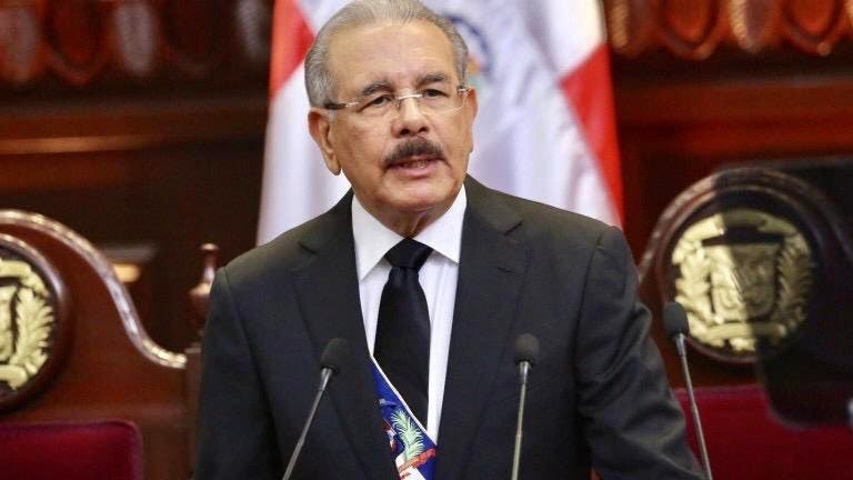 Danilo Medina hablará hoy al país, tras suspensión de elecciones, ¿qué cree usted que dirá?