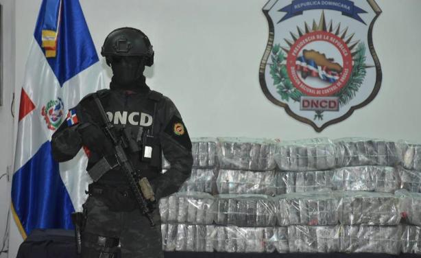 DNCD incautan 105 paquetes presume es cocaína o heroína en San Pedro de Macorís