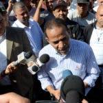 Juan Marte presidente de la Central Nacional de Trabajadores del Transporte CNTT se suma a las protesta en contra de JCE. Hoy Wilson Aracena
