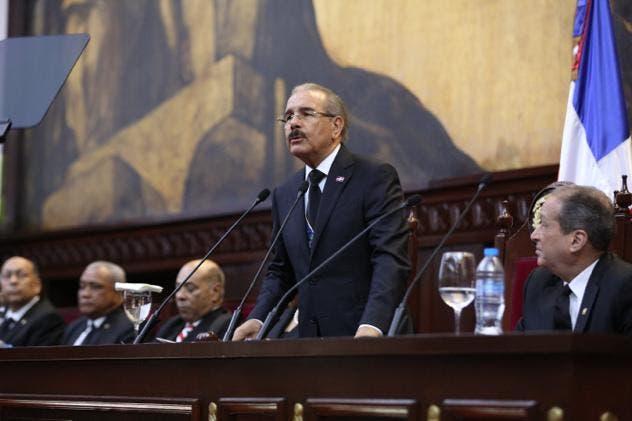 «El Gobierno ha triplicado formación técnico profesional», afirma Danilo Medina en rendición de cuentas