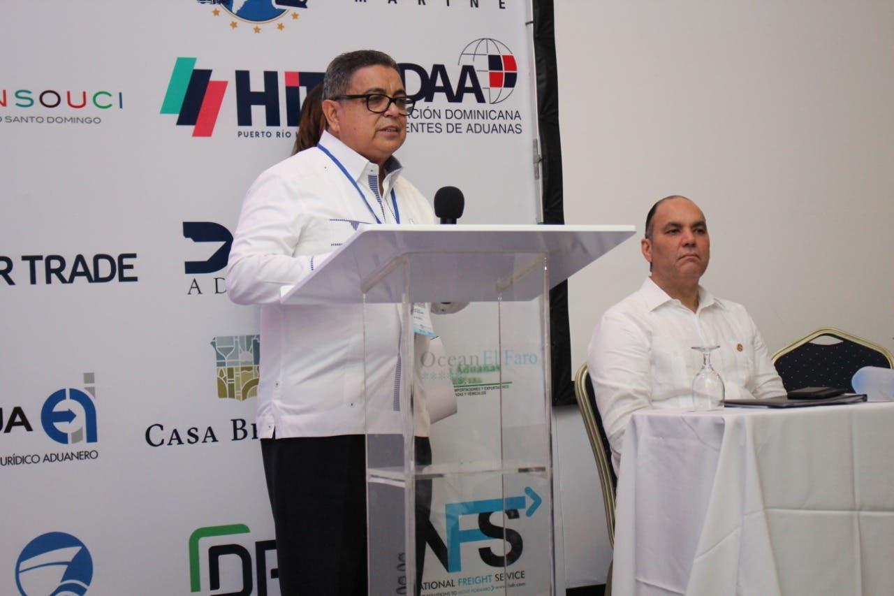 Aduaneros piden mejorar regulación del comercio electrónico transfronterizo