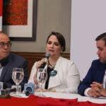 Milcíades Albert, Elisa Fernández de Scheker y Agustín Díaz, miembros comité coordinador del congreso.