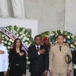 Representantes del Intrant llevan ofrenda floral al altar de la patria-