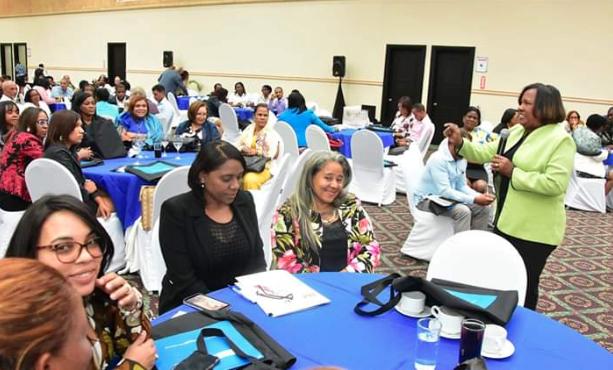 Inafocam extenderá premiación a docentes de la EFCCE y de nuevo ingreso