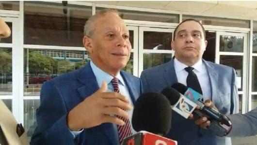 José Miguel Minier a la derecha de Ángel Rondón.