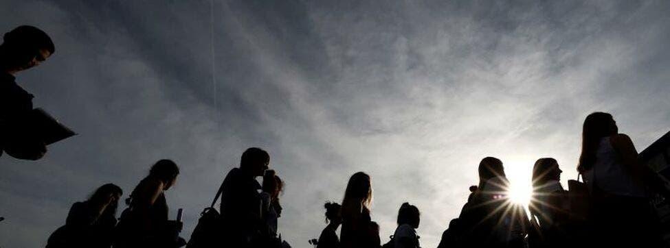 Jóvenes bisexuales: Sufrimos el vacío y burlas en clase por la falta de educación