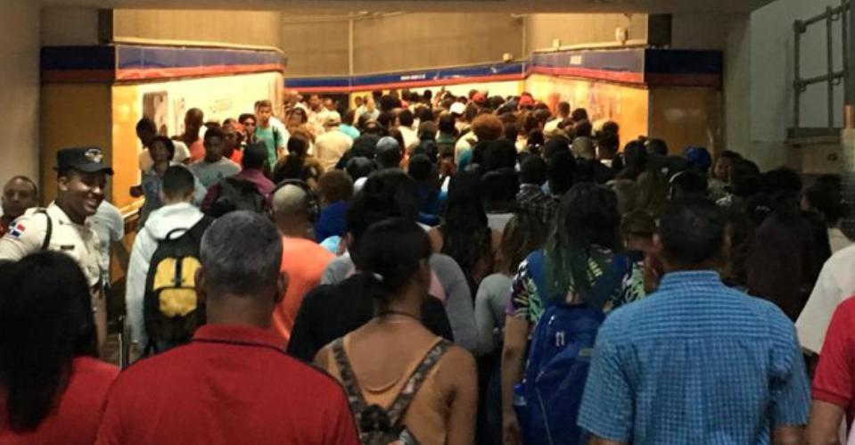 Falla en suministro de energía paraliza Metro y Teleférico de Santo Domingo
