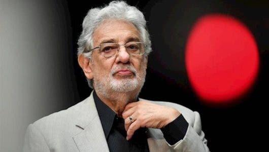 """Plácido Domingo acepta """"total responsabilidad"""" por acoso sexual, según una investigación"""