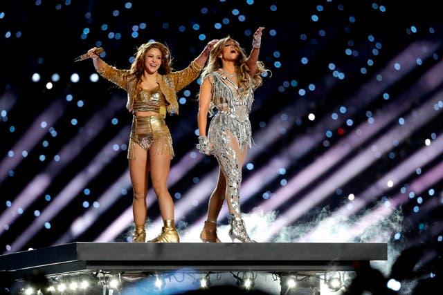 Video Super Bowl: Jennifer López y Shakira, «dándolo todo» en el escenario