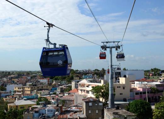 Servicios del Metro y el Teleférico se restablece de manera gradual