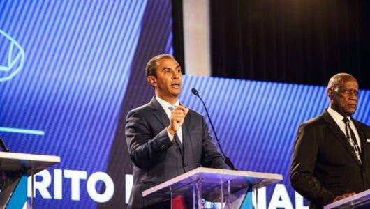 Domingo Contreras por el Partido de la Liberación Dominicana.