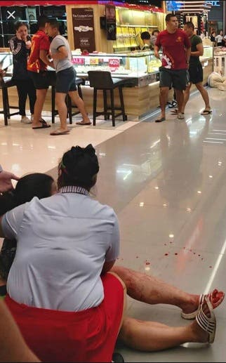 Soldado tailandés abre fuego en centro comercial: deja 20 muertos