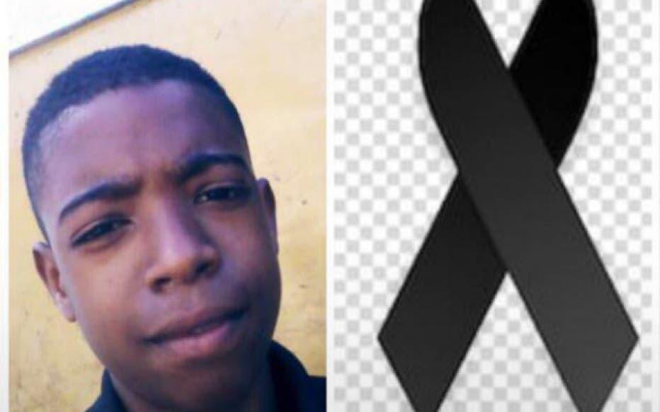Video: Adolescente se disponía abrir la nevera cuando una descarga eléctrica lo mató en Villa Mella