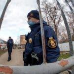 Ucrania refuerza seguridad tras protestas por evacuados de Wuhan.