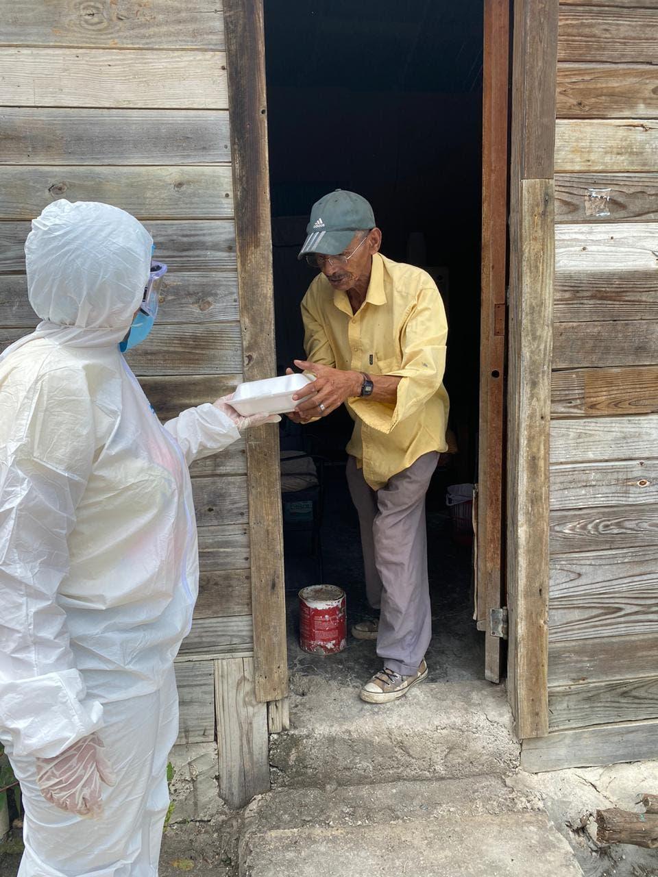 Comedores Económicos garantiza alimentos cocidos a la población con protocolo de prevención de Covid-19