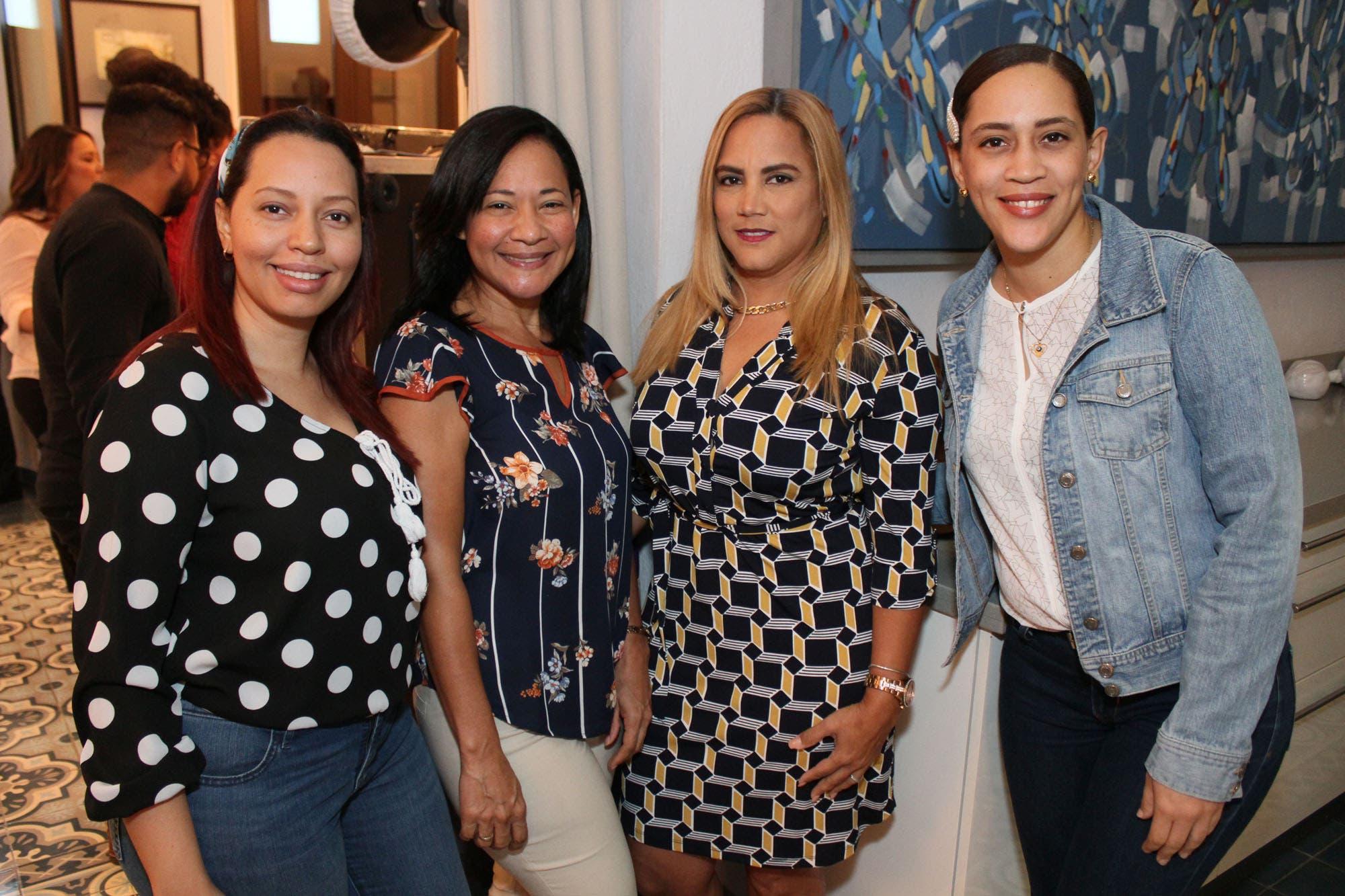 Martha Petiton, Ingrid Caraballo, Luz Gonzales y Lorena Encarnación.