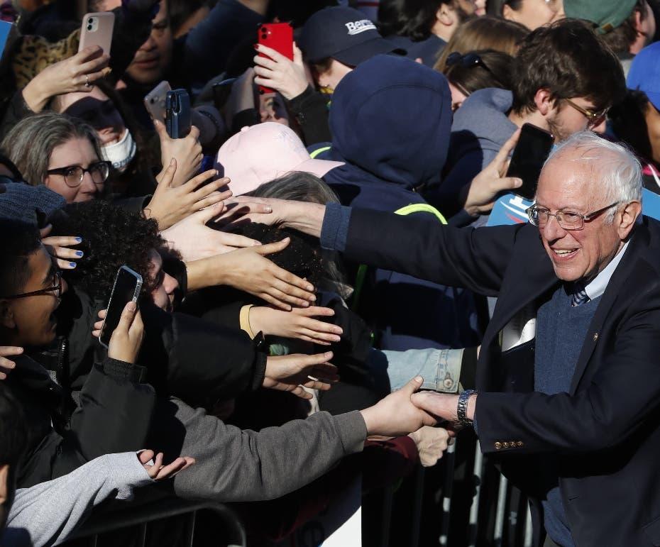 Sanders mantiene simpatía de los jóvenes votantes