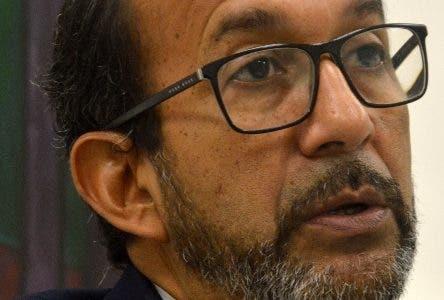 Encuentro Económico semanal del periódico Hoy, con el Economista Rafael Espinal. Hoy/ Napoleón Marte 26/12/2018