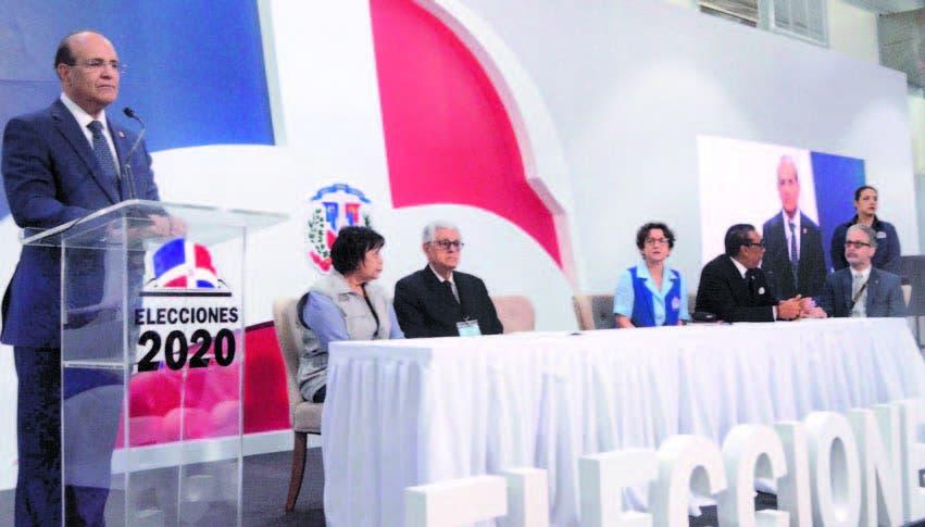 PRM aventaja al PLD desde inicio escrutinio; conteo votos continúa