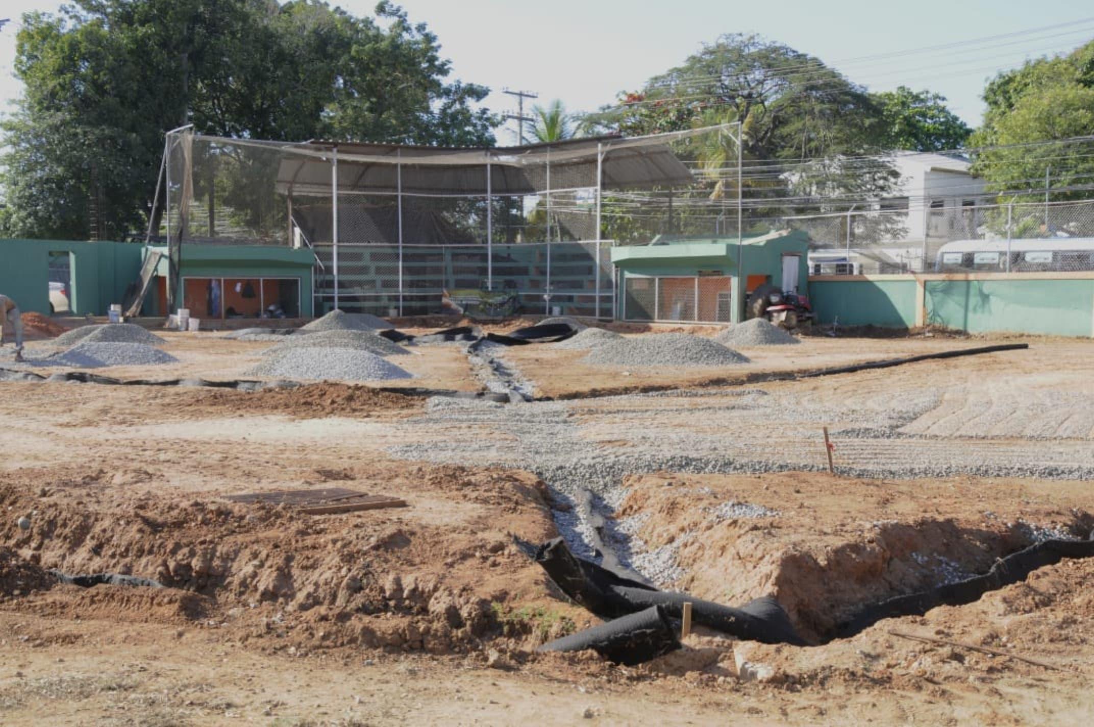 Remozan La Javilla incluye multiuso, luces y parqueos