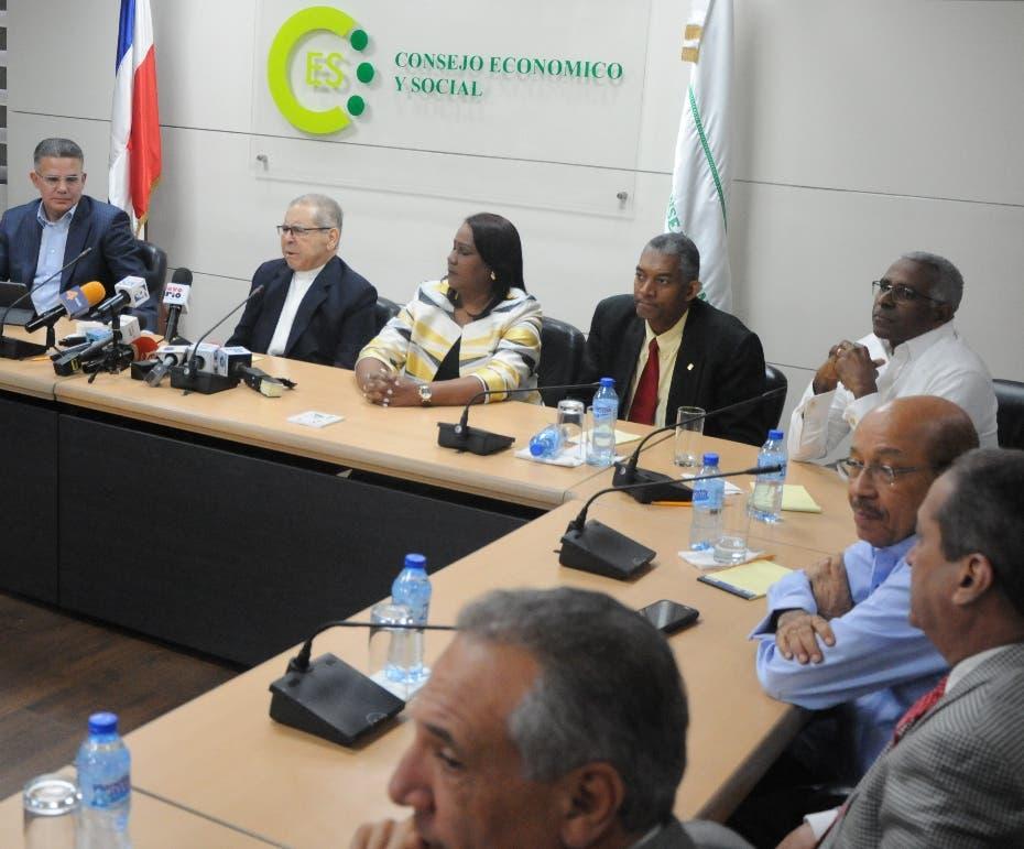 Suspenden diálogo para pacto político; convocan para hoy