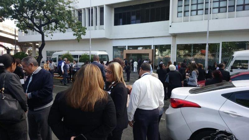 Empleados evacuados