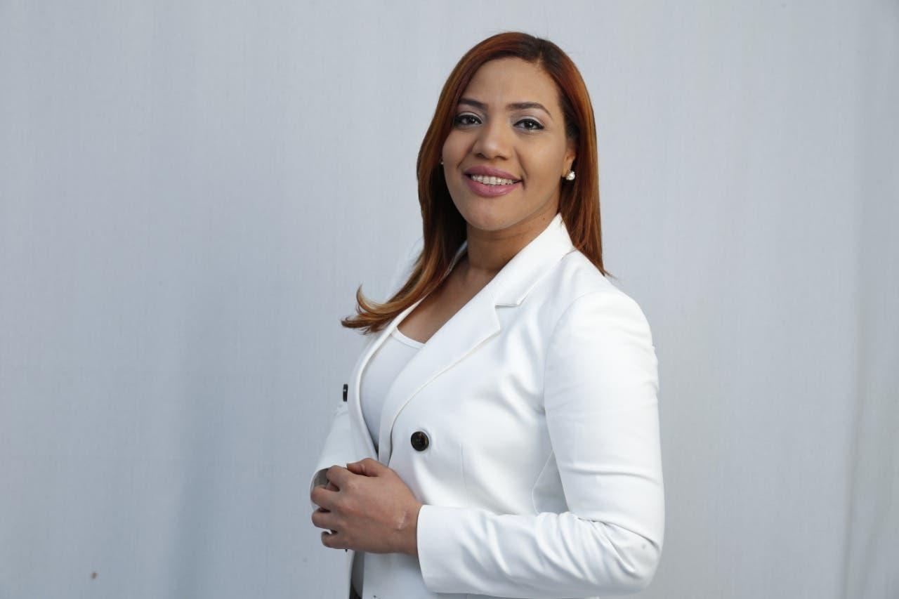 Covid-19: Candidata a diputada pide al Presidente aumentar salario de médicos y policías