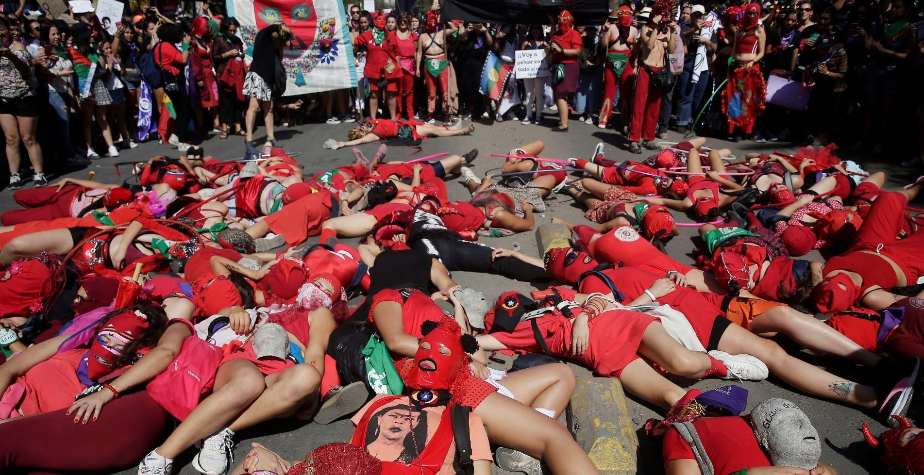 Latinoamericanas se unen contra ola de  feminicidios