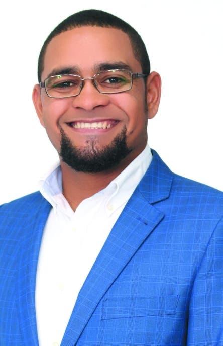 Aspirante a alcalde de El Seibo promete obras urbanísticas