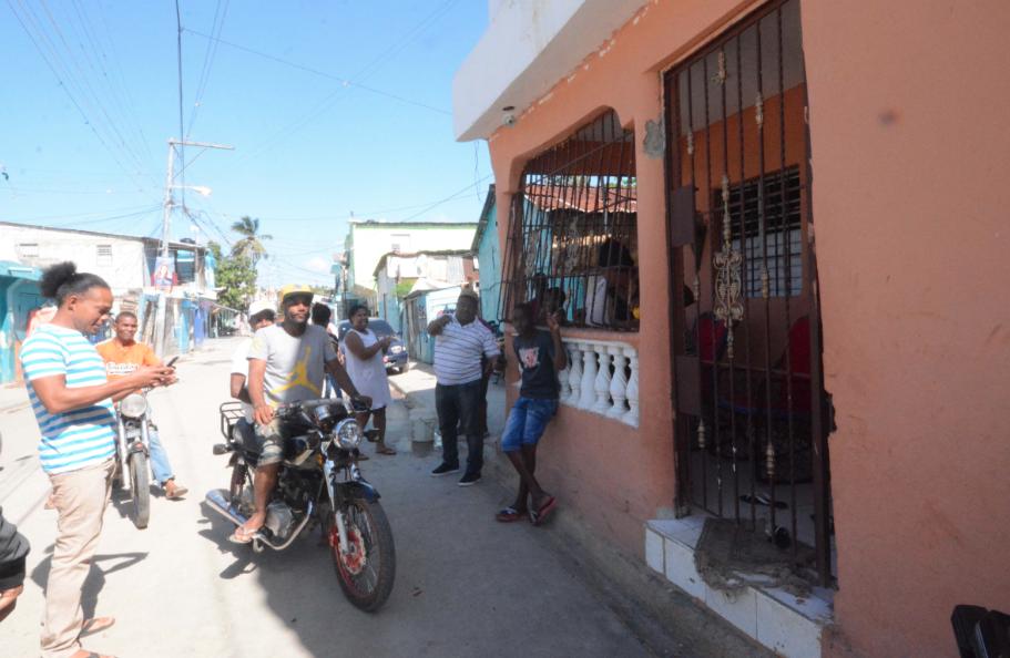 Cuarentena en Santo Domingo: unos la acatan, otros no pueden
