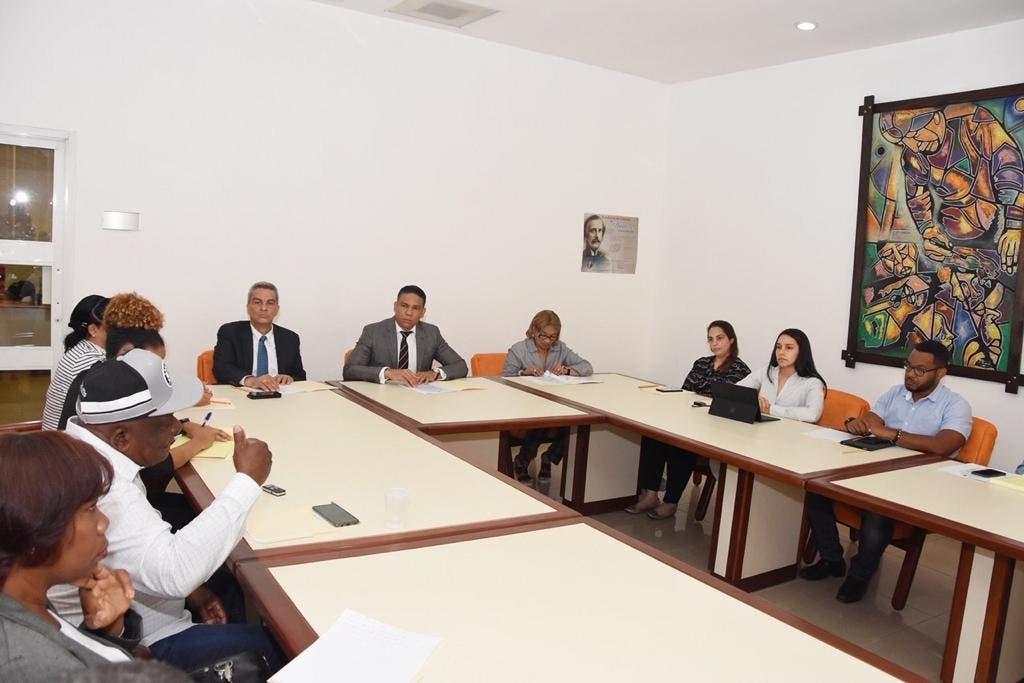 CNS aumenta 15% al salario mínimo de los trabajadores de albañilería