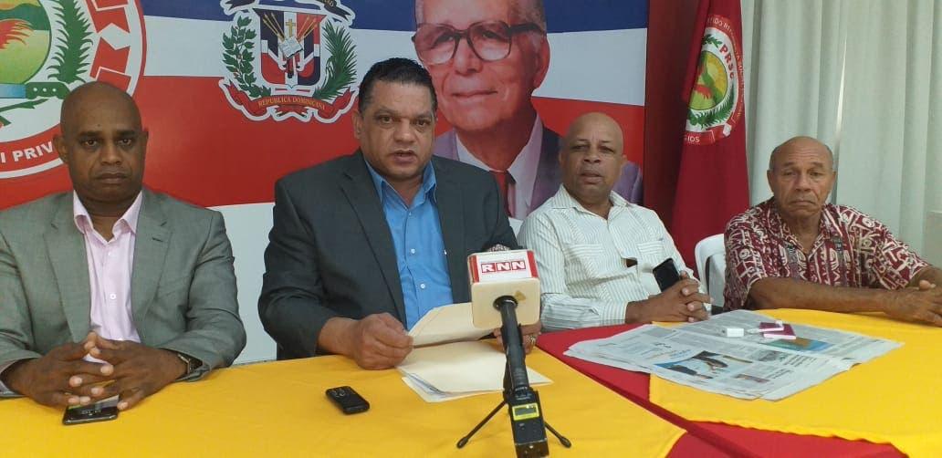 Coronavirus: Pide al presidente Medina ordenar devolución del 50 % de fondos de pensiones a los trabajadores