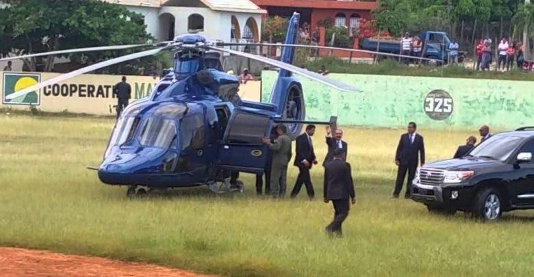Helicóptero en que viajaba Danilo Medina aterriza de emergencia