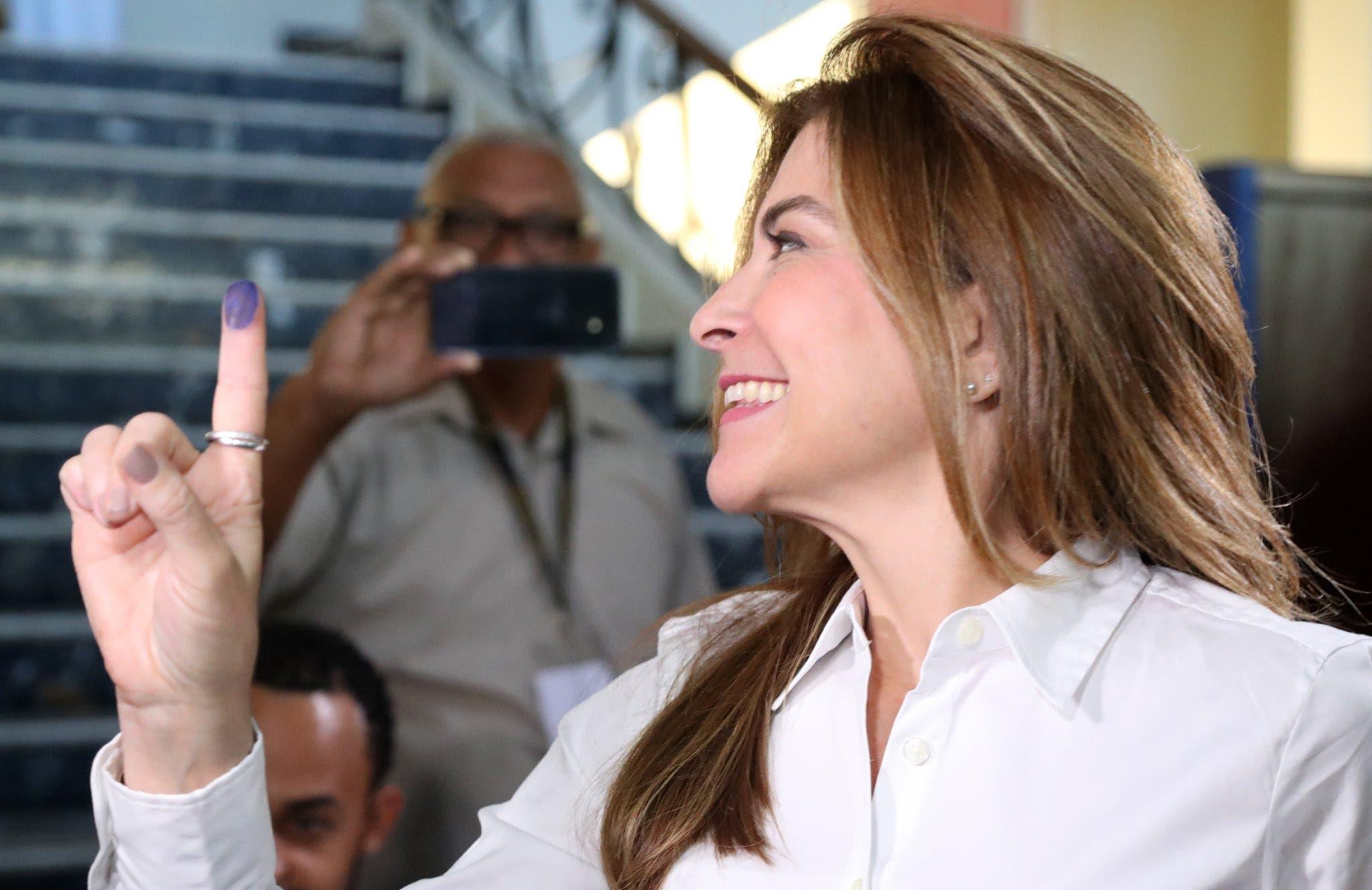 Video: Así celebra Carolina Mejía su ventaja sobre el candidato del PLD para alcaldía del DN