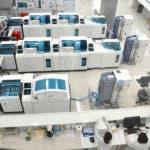 Foto 1, Área de procesamiento de las pruebas de Referencia Laboratorio Clínico.