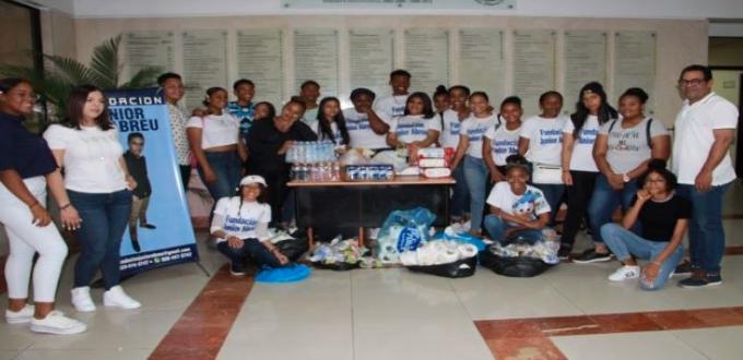 Fundación Junior Abreu realiza obra benéfica en conmemora primer mes de fallecimiento de adolescente