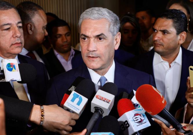 Gonzalo Castillo pide a dominicanos ser vigilantes de elecciones