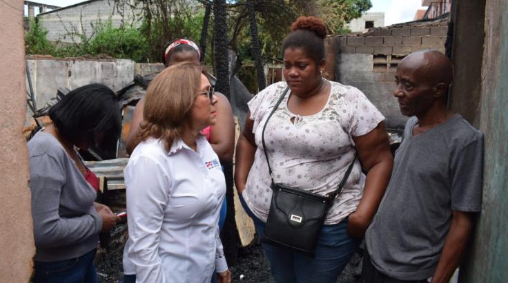 Plan Social asiste a familias afectadas por incendio en Villa María