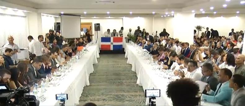 Jóvenes  coinciden en «diálogo alternativo» en su rechazo al CES para salida crisis electoral