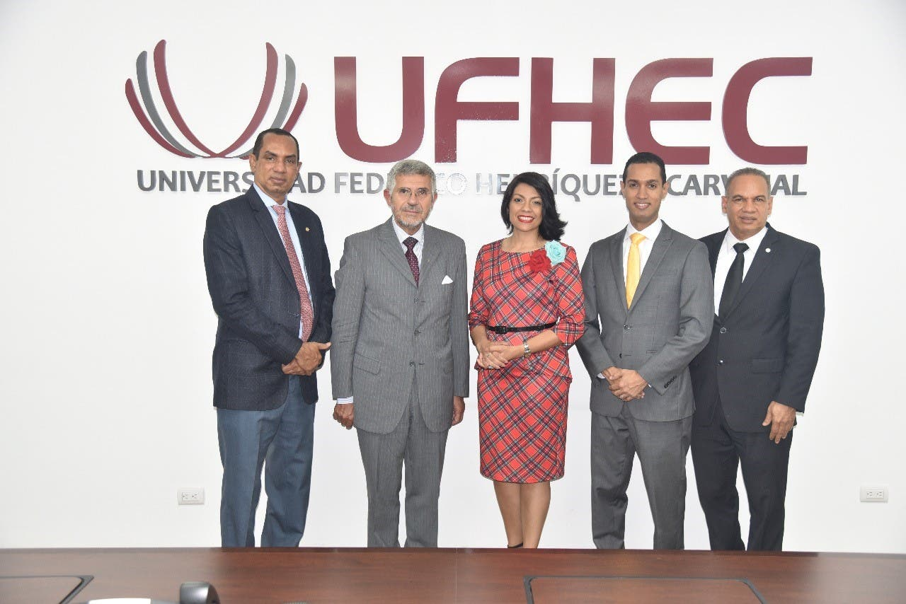 Especialista argentino llama a universidades dominicanas a involucrarse en la formación ética de los abogados