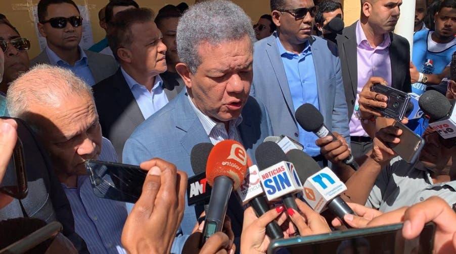 Leonel Fernández dice les preocupó anuncio del gobierno por casos coronavirus antes de las elecciones