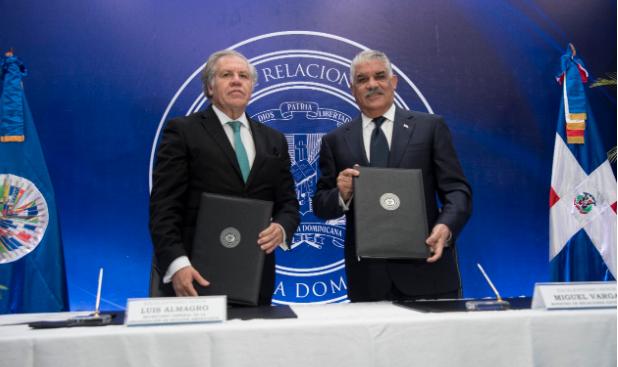 Miguel Vargas y Luis Almagro suscriben enmienda al acuerdo observadores
