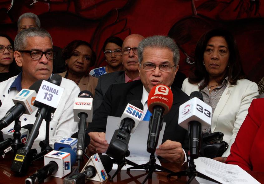 Video: Médicos anuncian marcharán hacia el Palacio Nacional por incumplimiento de acuerdos