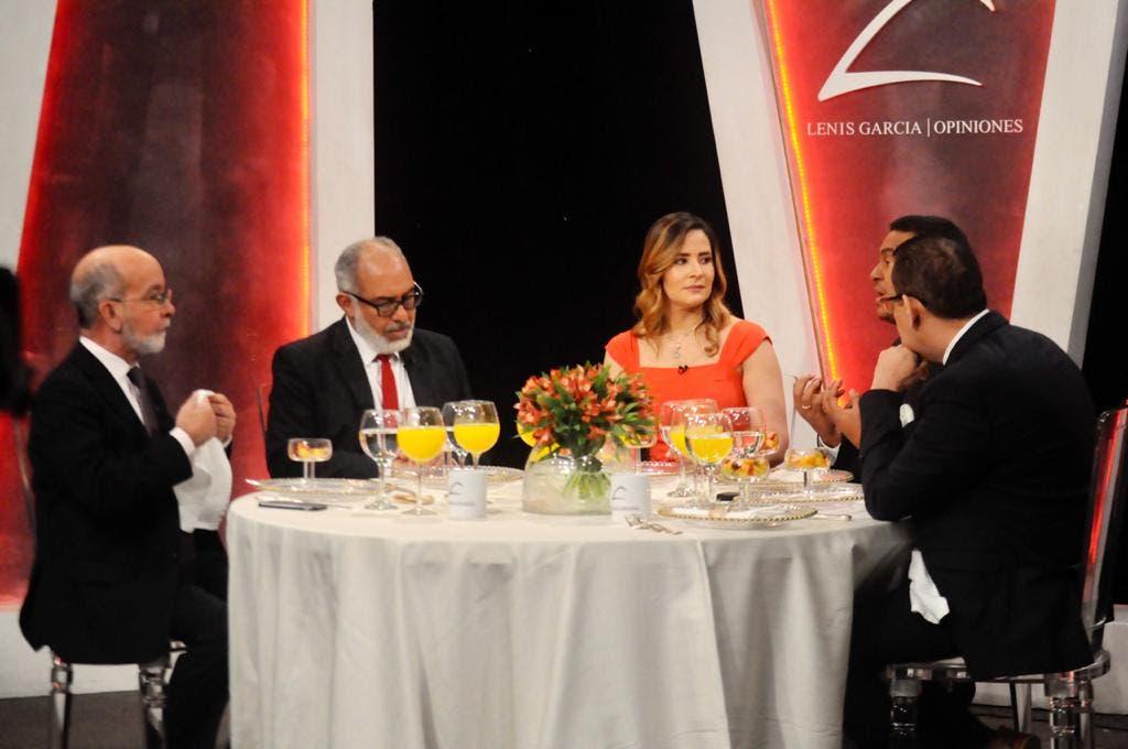 «Lenis Opiniones» presentó especial con directores de medios y politólogos
