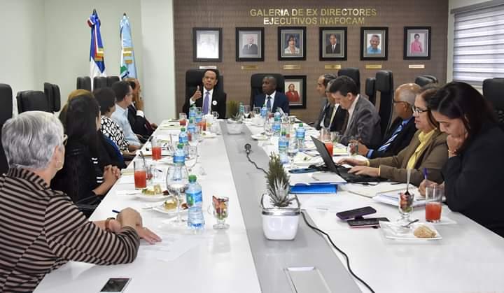 Peña Mirabal encabeza reunión ordinaria del INAFOCAM; destacan logros en la formación magisterial