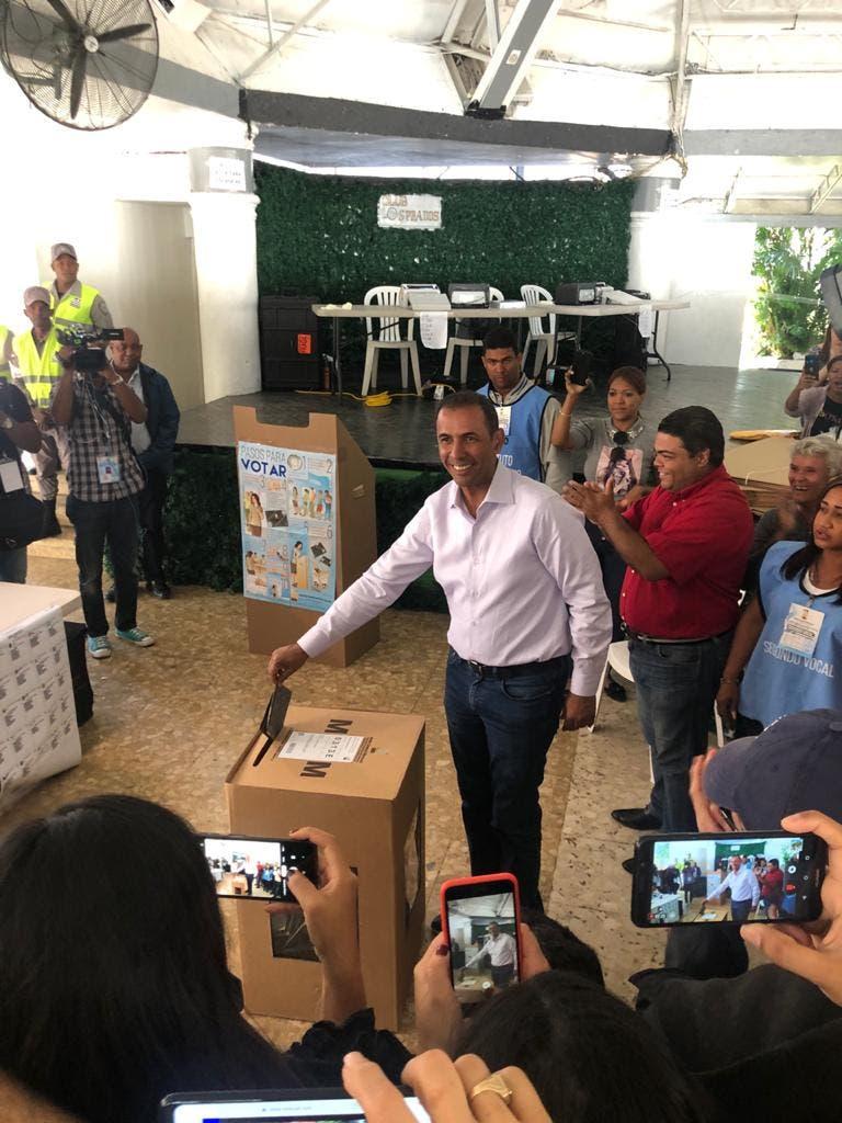 Video: Momento en que vota Domingo Contreras y lo que dijo sobre el proceso